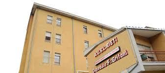 Terremoto. Inagibile l'ospedale di Amatrice, ma non doveva essere messo in sicurezza? Domanda a Zingaretti